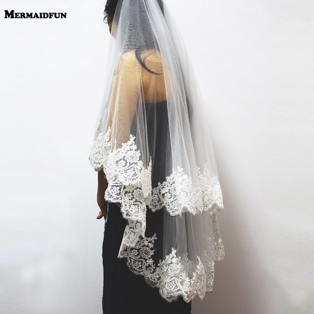 2019 New Two Layers Sequins Lace Edge Short Wedding Veil With Comb 2 Layers 0.9 Meter Tulle Bridal Veil For Wedding Dress