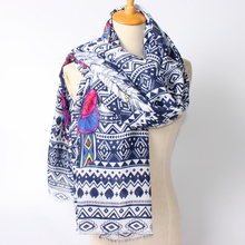 2017 New Arrival Winter Fashion Women Bohemian The original Indian tribe National Wind Tiger and Feather Printed Long Scarf