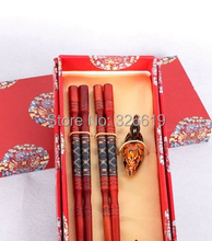 Free shipping best Chinese gift from China wood made 2 pairs Noble dragon gift chopsticks with gift box chopsticks(China)