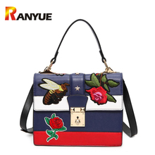 2017 Autumn National Vintage Embroidery Shoulder Bag Women Floral/Bee Embroidered Handbags Ladies Small Lock Crossbody Bag Sac(China)