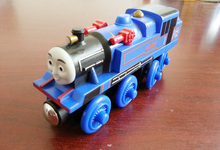 T0168 Belle wooden Thomas and friend train Chinldren child kids plastic toys with package