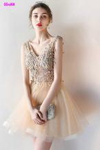 Oro Sexy vestidos de cóctel 2018 en el v-cuello Appliques Crystal rodilla  Lingth vestido de fiesta corto cóctel Formal vestidos d9438a77daef