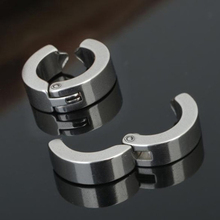 Fashion 1 Piece No Piercing Earrings   Punk Style Titanium Steel Mens Women Round Ear Clip On