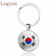 1pcs New 2018 World Cup Football Car Keychain Keyring For South Korea Japan Brazil Chile Colombia Mexico Switzerland Iran Flag(China)