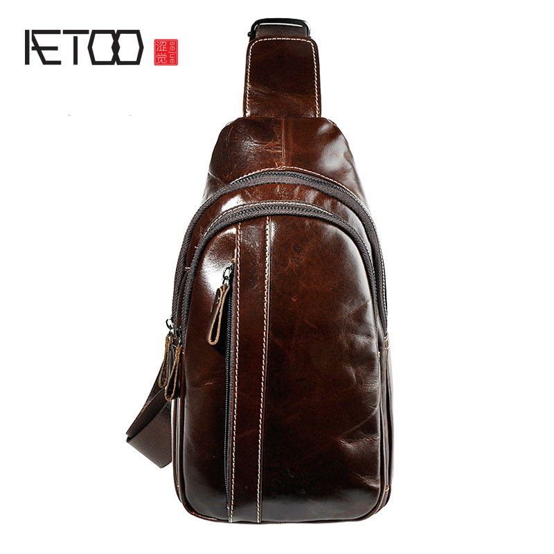 AETOO The first layer of crazy horse leather leather men retro cool multi-pocket large capacity 10-inch chest bag<br>