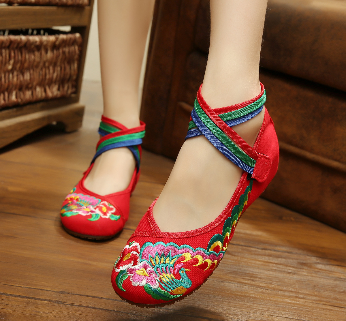 2016 New Fashion Women Shoes Chinese Style Mary Jane Flats Embroidery Casual Cloth Shoes Red Black Blue Black SMYXHX-A0004<br><br>Aliexpress