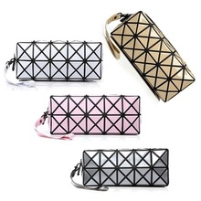 Fashion Geometric Zipper Cosmetic Bag Women Laser Flash Diamond Leather Makeup Bag Organizer Necessary to Travel a Storage Bag