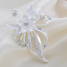 new arrived Fashion Exquisite Silver Rhinestone Flower High-quality Wedding Brooch/men jewelry