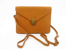 2017 New Summer Women Genuine Leather Envelop Duckbill Lock Shoulder Clutch Camel Brown Small Handbag Crossbody Bag Lady Purse