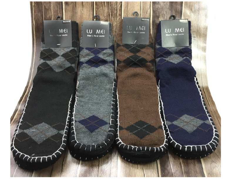 Uwback Wool Socks Men 2017 Winter Warm Long Floor Socks Man Diamond Fashion Slipper Socks Non Slip Home Socks 3 Pairs/Lot XA501