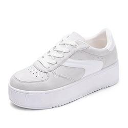 Женские сетчатые кроссовки на платформе
