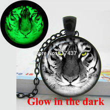 Glow in the Dark Necklace white tiger necklace pendant Rare Wild Animal Jewelry Photo  glass cabochon necklace glowing jewelry