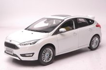 1:18 Scale Diecast Model Car for Ford Focus 2016 White Hatchback Alloy Toy Car Collection Gifts(China)