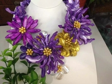 2016 new arrival yellow freshwater pearl purple mother of shell flower necklace