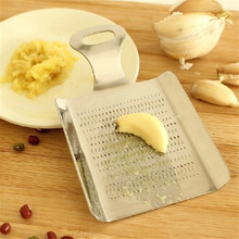 Stainless Steel Chopped Ginger Garlic Mashed Crushed Garlic Device Grater Mill Mud Grinding Tool  Useful Kitchen Supplies