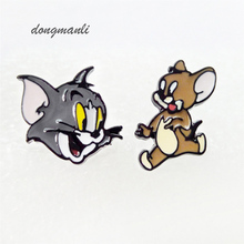 W2845 Hot Sale Classic Cartoon Anime Cute Cat and Mouse Asymmetry Animal Stud Earrings Girl Children Gift Jewelry Accessories