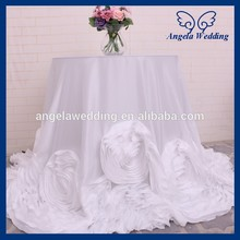 CL052D New Fancy elegant round flower fancy wedding white taffeta tablecloths with rose(China)
