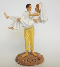 Creative Romantic Beach Wedding Marriage Polyresin Figurine Wedding Cake Toppers Resin Decor Lover Gift