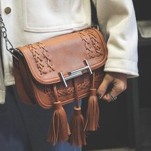 2016 autumn and winter fashion tassel flap knitted chain shoulder messenger handbag red brown hot sale women's bag