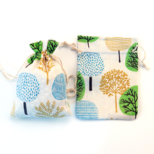 50pcs/lot Trees Design Cotton Bags 10x14cm Wedding Favor Small Linen Drawstring Gift Bag Muslin Jewelry Packaging Bag Pouches