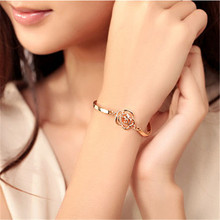 Wholesale Special Price 2017 Hot Sale Retro Gold Zircon Rose Cuff Bracelets Wedding Gift Engagement Accessories Hot Summer
