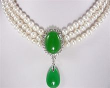 lady's finest accessory! 3 Rows white pearl 6-7mm  green Jades Pendant Necklace
