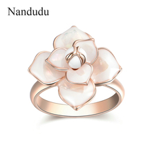 Nandudu New Arrival Blooming Flower Rings Bridal Engagement Ring for Anniversary Women Girl Fashion Jewelry Gift R1815