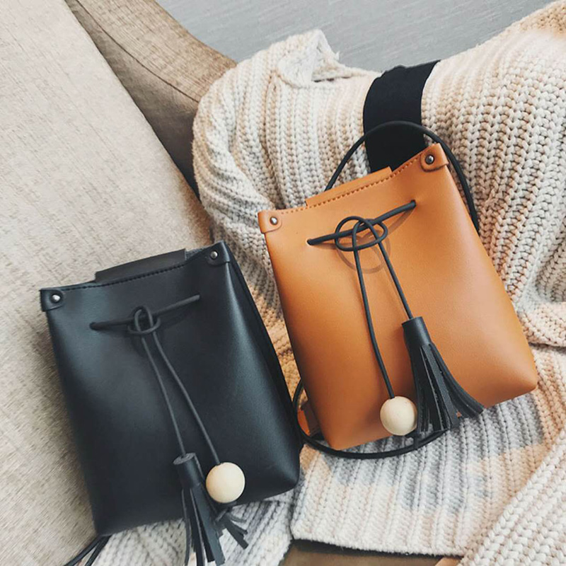 GUQIWT Fashion Women's Shoulder Bag PU Leather Bag Women Bucket Totes 2018 Ladies Casual Crossbody Bag Female tassel