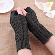 Feitong 2017 Fashion Half Finger Gloves For Women Winter Warm Wool Knitting Arm Gloves Unisex Soft Warm Mittens female gloves