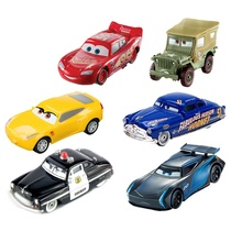 Disney  PXAR CARS  3 LIGHTNING McQUEE Scale 1:55 Hig Quality Plastic Pixar Cars Toys Models Christmas Gifts For Children Toys