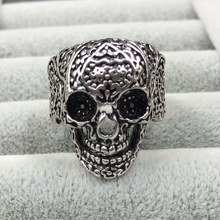 SPINNER Vintage Carving Stainless Steel Ring Skull Biker Men Punk style Ring Hot Sale Man's Fashion Jewelry Gift Accessories