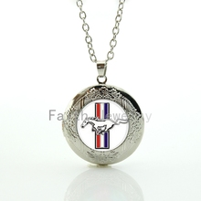 Stylish modern ford Mustang logo pendant fresh elegant charm youthful silver color locket necklace men women jewelry HH252