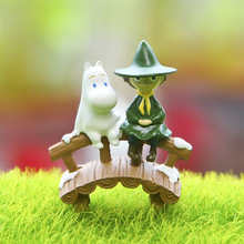 New 1pcs 3.7*4.3cm Cool Animation Garage Kid Moomin Valley Animation Model Toys Snufkin Money Resin Action Figure Toys Juguetes