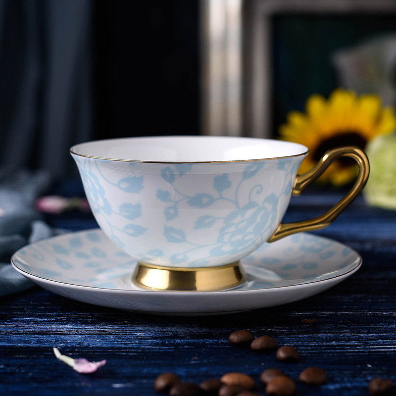 200ml Porcelain Teacups Fine Bone China Tea Cup and Saucer Set British Style Luxury Ceramic Coffee Cup Holiday Gifts 2 Colors (1)