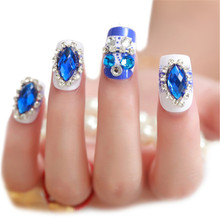 24Pcs Rhinestone False Nails Tips Bride Nail Art Display Finger Patches Manicure Design Fake Nail Christmas Nail Sticker(China)