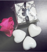 free shipping wholesale white cute love heart shape love scented soap wedding favor gift box creative baby shower(China)