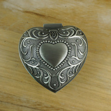 New Arrival Vintage Carving heart jewelry box Beauty Bride Wedding Ring boxes Metal jewel case Valentine's day gift wholesale