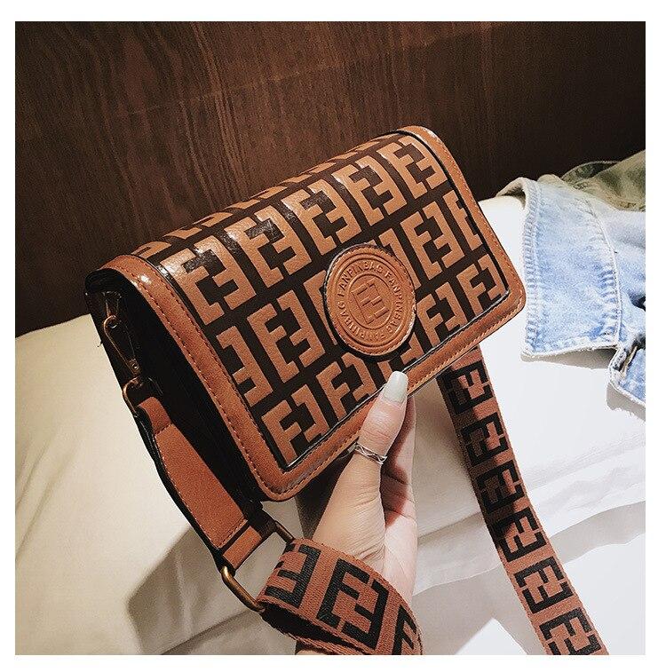 2019 Of The Small Square Fashion Women's vintage Shoulder Bag Shoulder Bag Messenger Bag Mobile Phone Bag Brand original design 22 Online shopping Bangladesh
