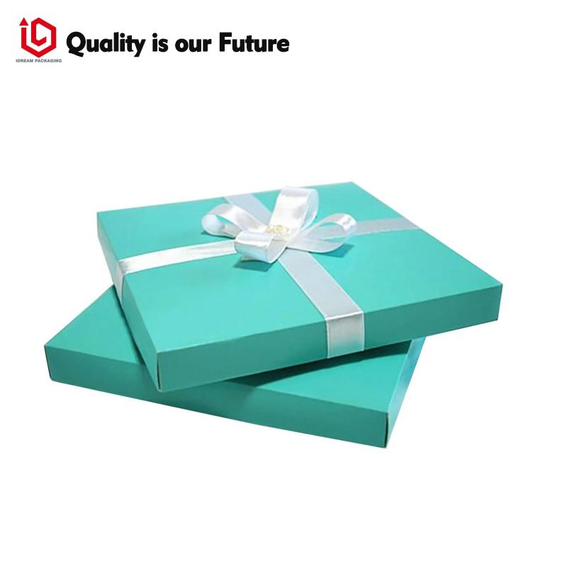 EMBELLISHED INVITATION BOXES
