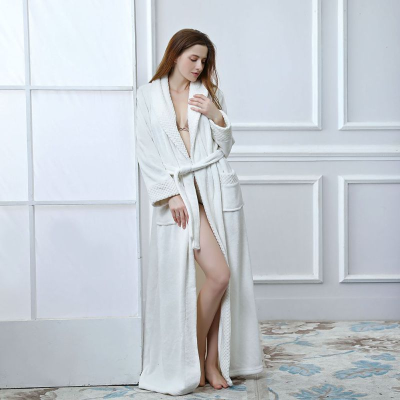 Luxury Winter Bathrobe Women 2018 Winter Warm Flannel Long Bath Robe Fashion Sexy Lace Up Soft Bathrobes Night Dressing Gown