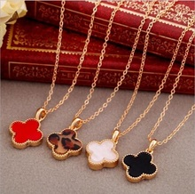 Simple Clover Necklace Women Red Heart Shaped Long Necklace Lady Chokers Necklaces for Women Fashion Jewelry