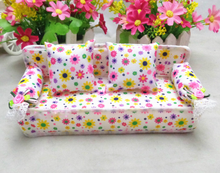 1 Pcs/set Lovely Mini Decorative Toy Cloth Sofa Bed Lace Fabric Sofa Chair With 2 Pillow Children's Day Best Gift