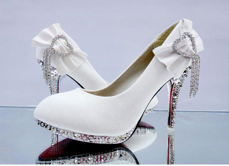 bride wedding shoes thin high heels shallow mouth heart shaped Rhinestone shoes lady party pumps single shoes plus size 34-41