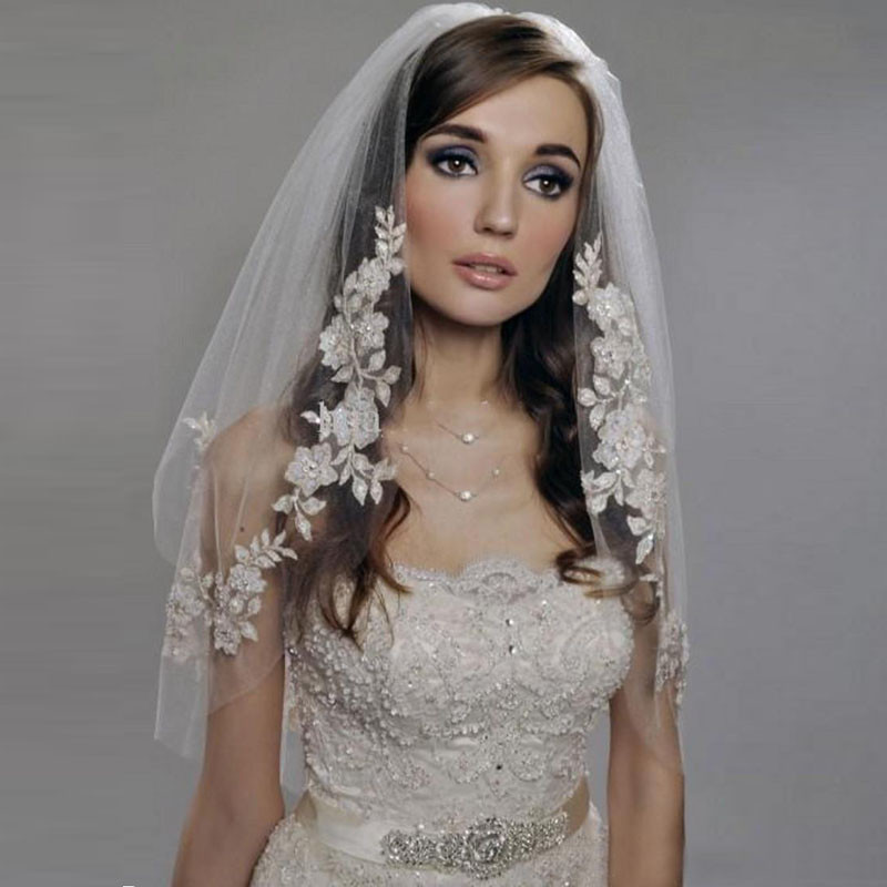 2017 Short Wedding Veils with Pearls Lace Cheap Imported Silver Thread Flower Bridal Veil 2 Tier with Comb Wedding Accessories(China)
