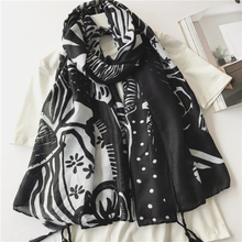 Burbry Luxury Brand Spring summer Beach hijab Fashion Tassels Scarves Lady black Japanese soft Cotton Wraps Shawl new arrive(China)