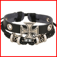 Fashionable Black Leather Bangle with Zinc Alloy Cross Charm Korea Jewelry Leather Bracelet for Boy