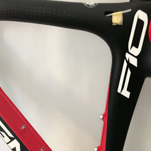 Newest style torayca T1100 1K carbon bike frame red black bicycle carbon frameset 167 color bike frame bb30/bb68 free shipping(China)