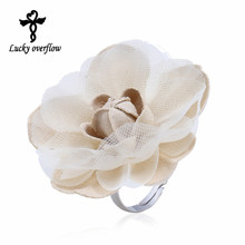 2017 Fashion Cute Romantic Style Stainless Steel Rings For Women Fabric White Big Flower Ring Engagement Ring Christmas Jewelry(China)