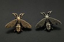High-grade vintage cute bees brooch gold & silver small bee brooch pins for men women Deer Antlers Head Pin fashion jewelry 1 PC(China)