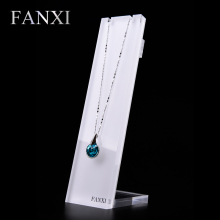 FANXI Free shipping custom wholesale plexiglass pendant jewelry display with metal hook back transparent acrylic necklace stand